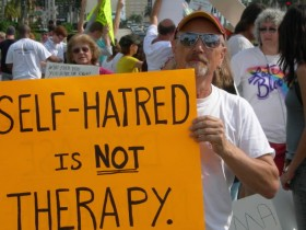 Conversion_therapy_protestor