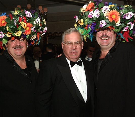 Hat Sisters Tim O'Connor and John Michael Gray,Boston Mayor Thomas Menino
